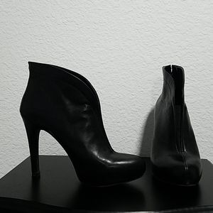Jessica Simpson leather black ankle boot high heel